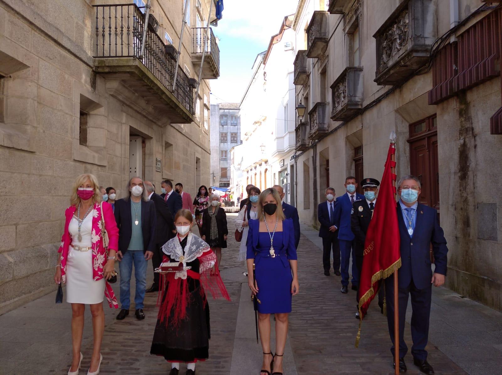 OFRENDA ANTE A VIRXE DOS REMEDIOS DE MONDOÑEDO